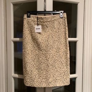 NWT Moschino cotton blend lace skirt. Size 6